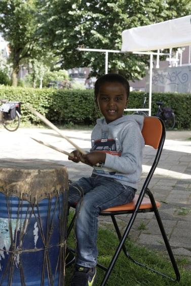 Afrika drum kind